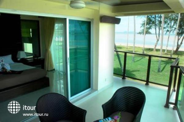Lanta Pura Beach Resort 8