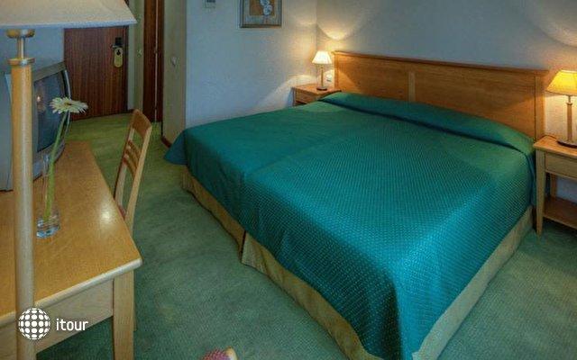 Orquidea Hotel 4