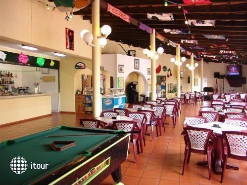 Valmangude Jardim Sun & Garden Club 4