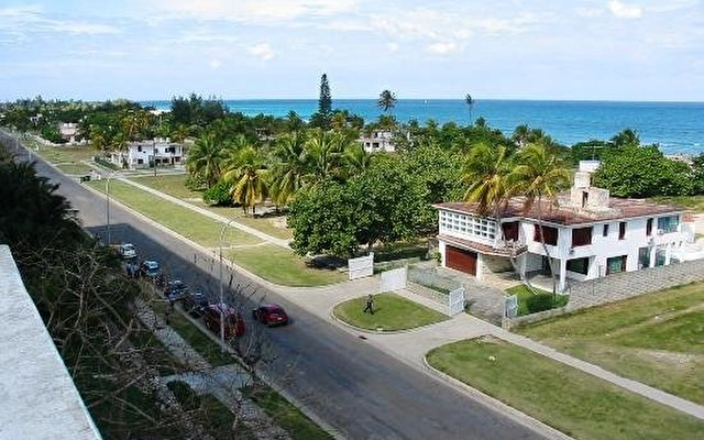Tropicoco Beach Club 9