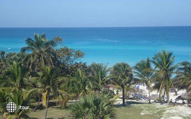 Tropicoco Beach Club 6