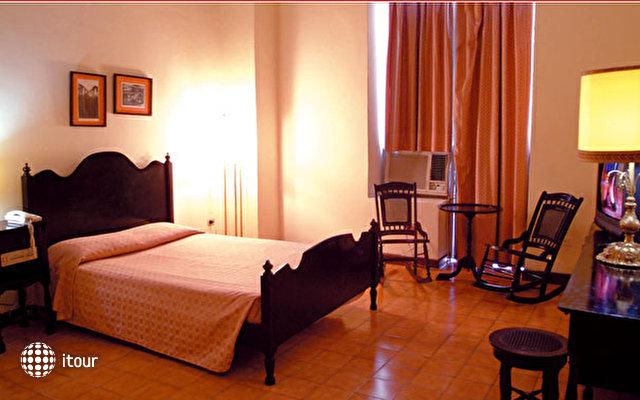 Hotel Plaza 3