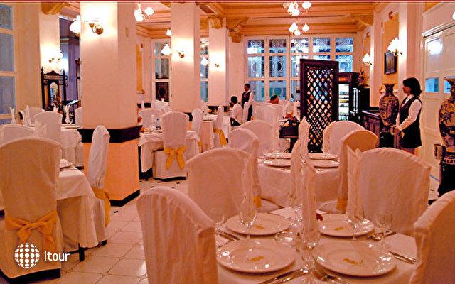 Hotel Plaza 4
