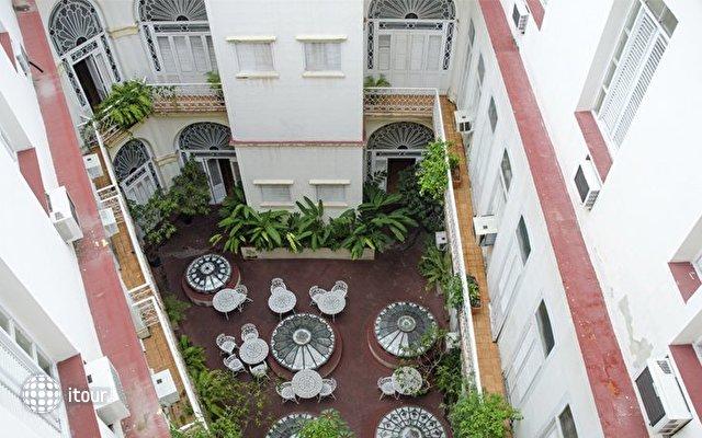 Hotel Plaza 2