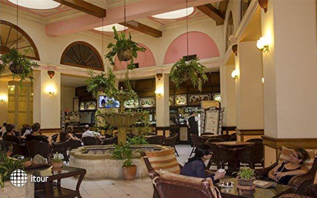 Hotel Plaza 10