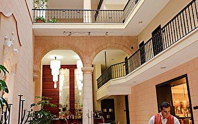 Palacio De San Felipe Y Santiago De Bejucal 7