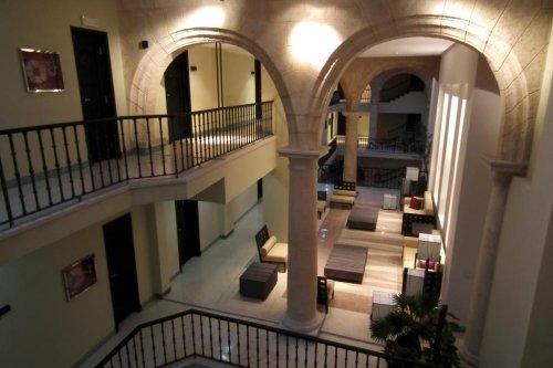 Palacio De San Felipe Y Santiago De Bejucal 8