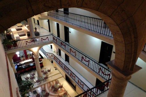 Palacio De San Felipe Y Santiago De Bejucal 9