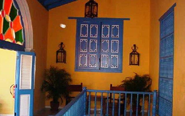 Hostal Beltran De Santa Cruz 8