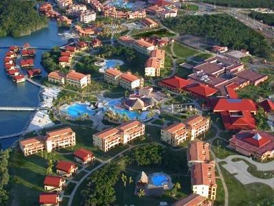 Nh Krystal Laguna Villas & Resort 1
