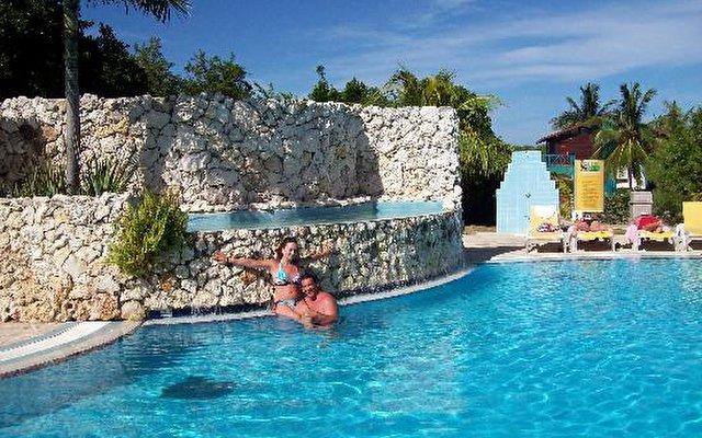 Nh Krystal Laguna Villas & Resort 7