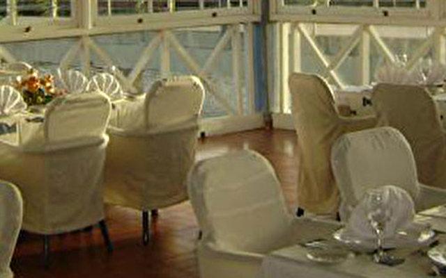 Nh Krystal Laguna Villas & Resort 8