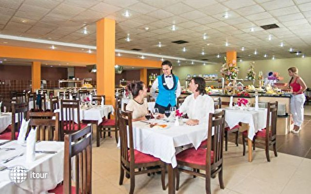 Blau Costa Verde Beach Resort Hotel  4