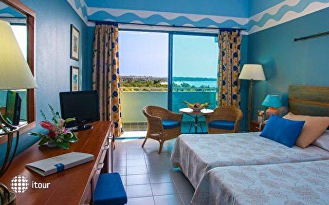 Blau Costa Verde Beach Resort Hotel  5