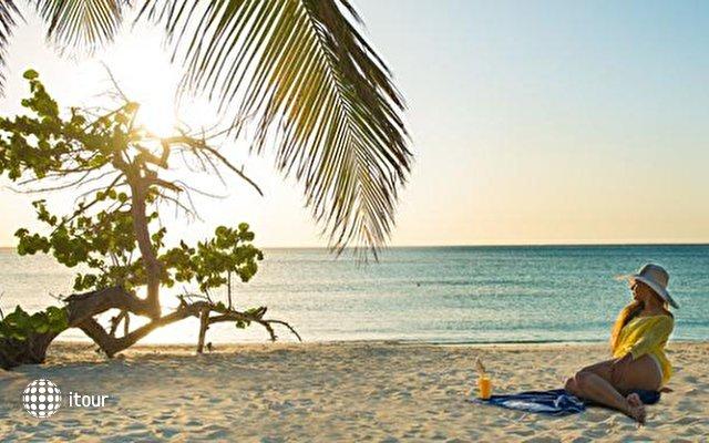 Blau Costa Verde Beach Resort Hotel  1