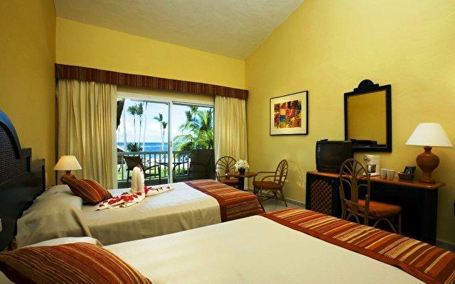 Sirenis Cocotal Beach Resort Casino & Spa 4