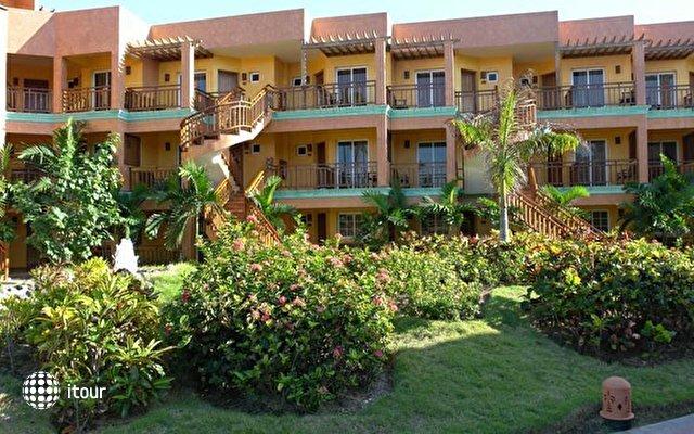 Vik Hotel Cayena Beach 4