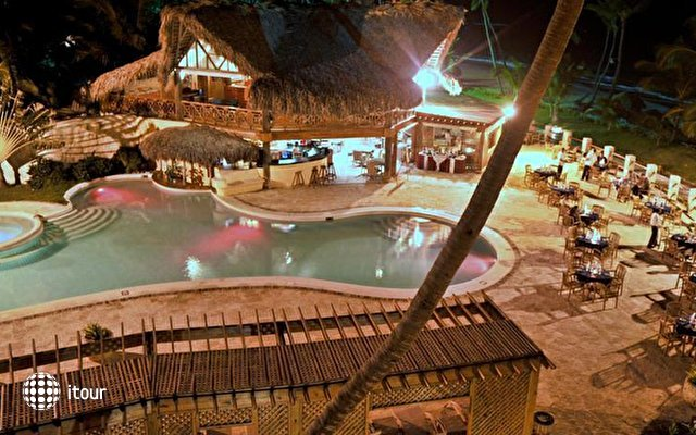Vik Hotel Cayena Beach 6