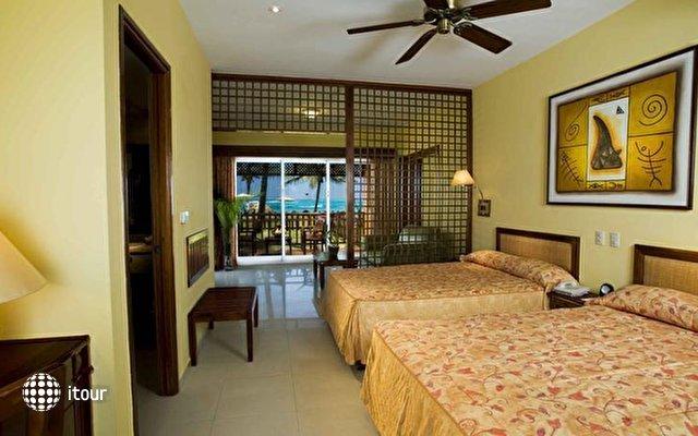 Vik Hotel Cayena Beach 8