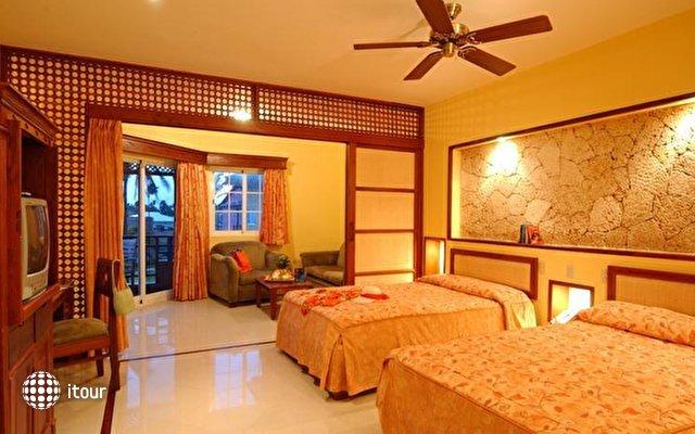 Vik Hotel Cayena Beach 3