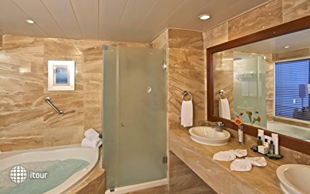 Ocean Blue Golf & Beach Resort 9