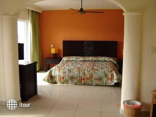 Colony Bay Resort 22
