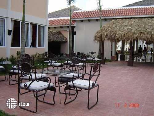 Colony Bay Resort 26