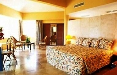 Sirenis Tropical Suites 2
