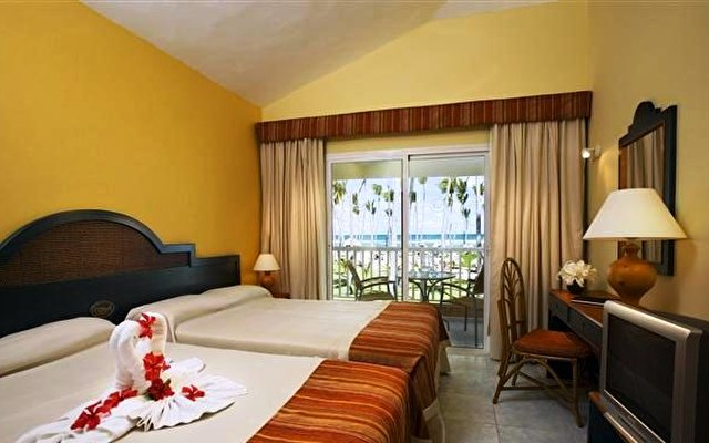 Sirenis Tropical Suites 4