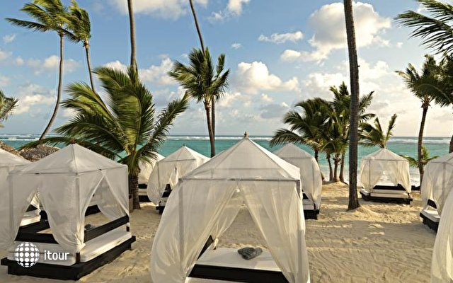 Ocean Blue & Sand Beach Resort 7