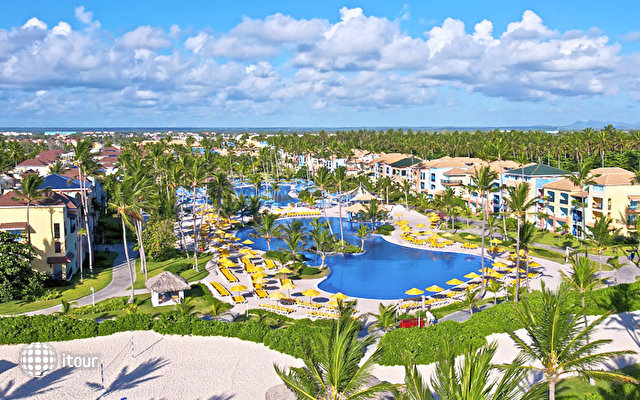 Ocean Blue & Sand Beach Resort 3