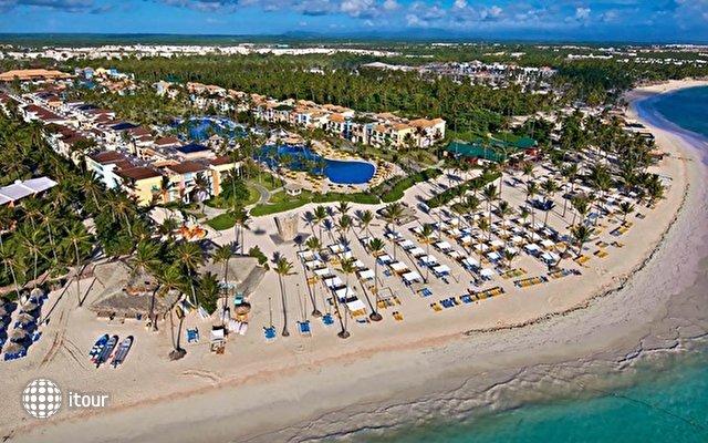 Ocean Blue & Sand Beach Resort 1