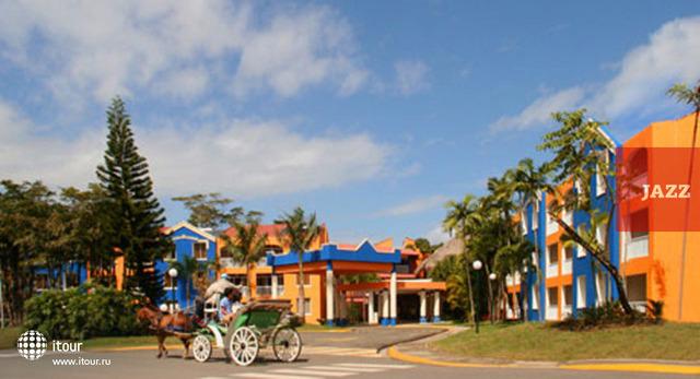Viva Wyndham Playa Dorada 9