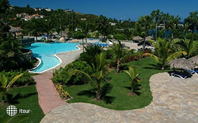 Lifestyle Tropical Beach Resort & Spa 4