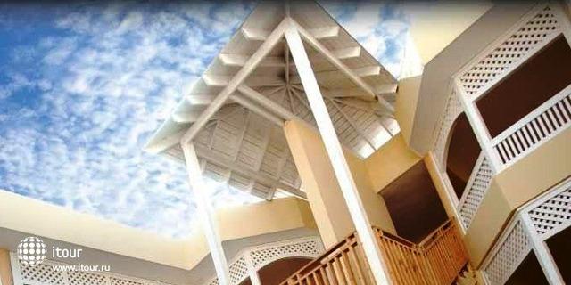 Breezes Sol De Plata Beach Resort 2