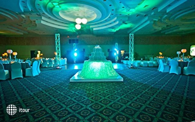 Dominican Fiesta Hotel & Casino 6