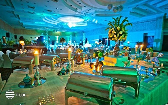 Dominican Fiesta Hotel & Casino 7