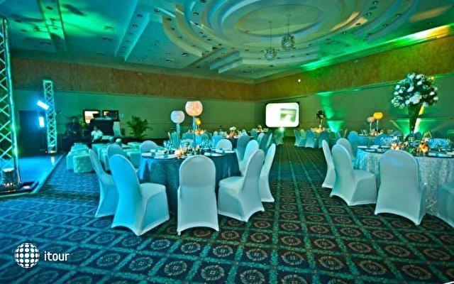 Dominican Fiesta Hotel & Casino 4