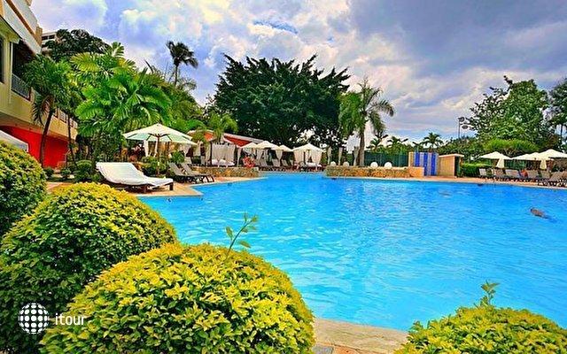 Dominican Fiesta Hotel & Casino 2