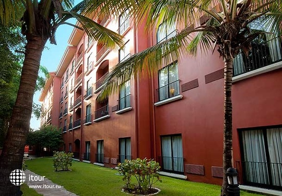 Courtyard By Marriott Santo Domingo Downtown 5
