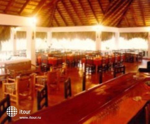 La Tambora Beach Resort 5