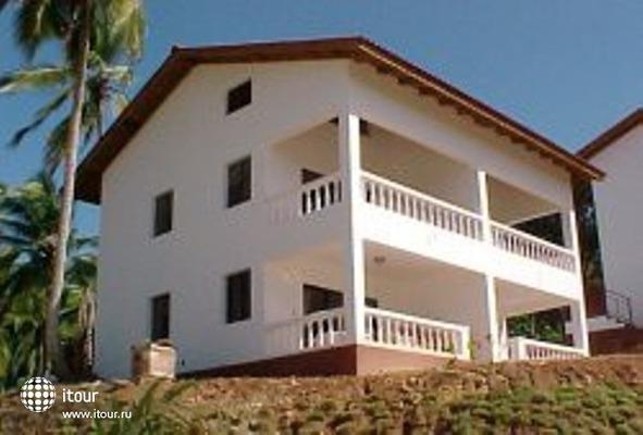 La Tambora Beach Resort 6
