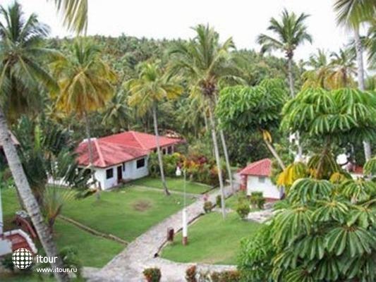 La Tambora Beach Resort 8