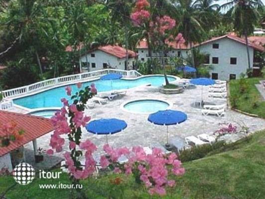 La Tambora Beach Resort 10