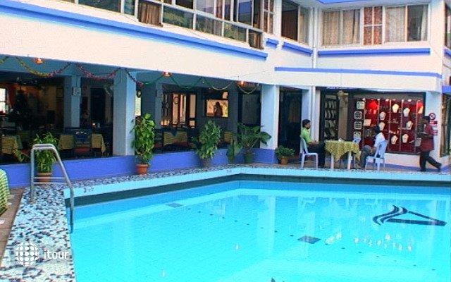 Alor Holiday Resort Calangute 2