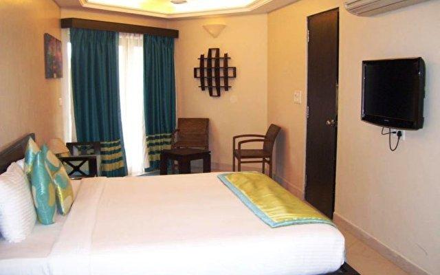 Baga Marina Beach Resort & Hotel (ex. Beacon Court) 10