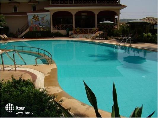 Lazy Lagoon Sarovar Portico Suites 5