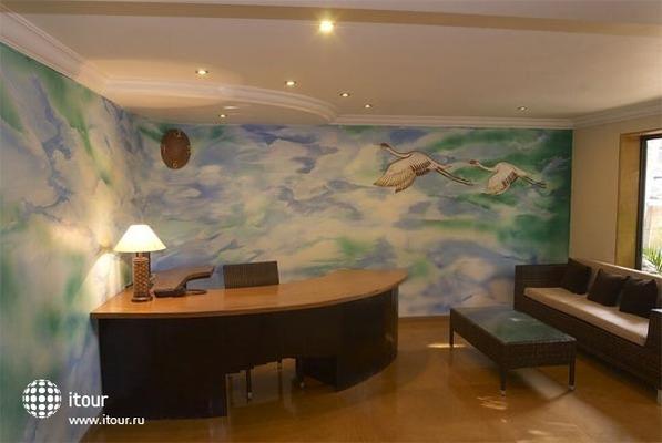 Hotel 10 Calangute 4