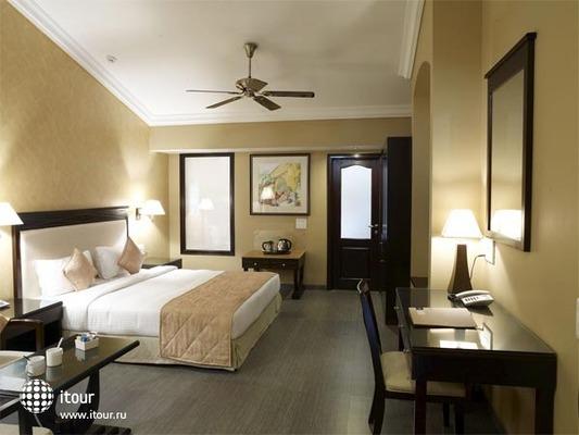 Hotel 10 Calangute 8