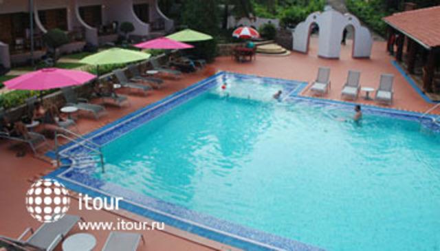 Leoney Resort 3
